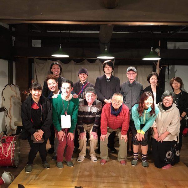 【演劇】軽井沢「大人のためのレジデンス施設に俳優の声が響きわたる」